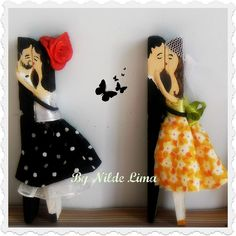 Bride and Groom Diy Arts And Crafts, Craft Stick Crafts, Crafts To Sell, Crafts For Kids, Fun Crafts, Paper Crafts, Clothespin Art, Wood Peg Dolls, Worry Dolls
