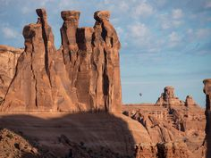 Picture of a hot air balloon floating over Arches National Park, Utah Arches National Park Hikes, National Parks Map, Parc National, Colorado River, Adventure Activities, Park Hotel, Salt Lake City, Monument Valley, Utah