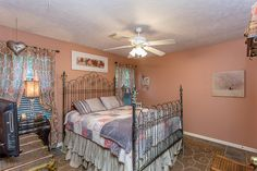 1402 Pebble Banks Ln Seabrook, TX 77586: Photo One of the secondary bedrooms.