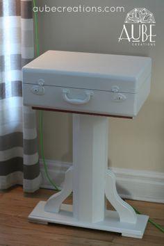 Vintage Tablesuitcase par AUBEdesign sur Etsy, $350.00