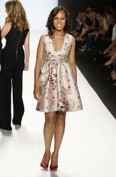 kerry-washington-project-runway-spring-2014-fashion-show-stella-mccartney-floral-print-dress-2