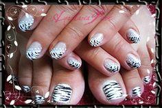zebra on the half nail :)