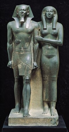 One of the most well recognized Ancient Egyptian statues Menkaure and his Queen, Dynasty IV, ca. Graywacke, Currently located at the Museum of Fine Arts, Boston. Ancient Egyptian Statues, Ancient Artifacts, Ancient History, Art History, Objets Antiques, Egypt Museum, Egypt Art, Giza Egypt, Art Antique