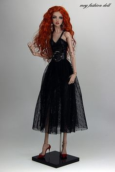 Dolls, Clothing & Accessories Amazing Ooak Chase Modeling Agency Ava Repaint Tonner Closed Repaints Rare Cool In Summer And Warm In Winter
