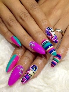Not the shape, but the designs! #nail #nails #nailart #unha #unhas #unhasdecoradas