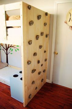 DIY Toddler Bed with rock climbing wall - Kids Bedroom - FinchFound Indoor Climbing Wall, Rock Climbing, Climbing Holds, Kids Climbing, Diy Toddler Bed, Casa Kids, Kids Bunk Beds, Loft Beds, Boys Bedroom Ideas With Bunk Beds