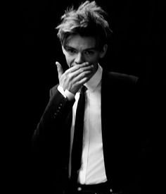 Thomas Brodie-Sangster is one good looking dude. Maze Runner Thomas, Maze Runner Cast, Maze Runner Movie, Beautiful Boys, Pretty Boys, Cute Boys, Dylan Thomas, Single Sein, The Scorch Trials