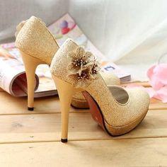 2855370fafc6c Encuentra Zapatos Dorados 37 Taco Alto Con Flores - Calzados en Mercado  Libre Chile. Descubre la mejor forma de comprar online.