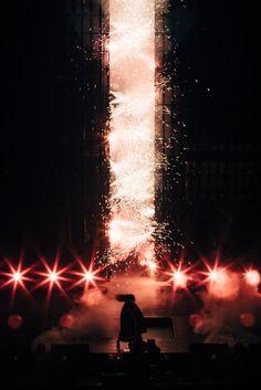 Beyoncé Formation World Tour Mercedes-Benz Superdome New Orleans Louisiana September 2016 Tours New Orleans, Beyonce Pictures, Concert Stage Design, Signs Youre In Love, The Formation World Tour, Beyonce Knowles Carter, Visual Aesthetics, Queen B, Loreal Paris