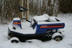 Don't let this happen to your mower. Here's how to properly store your lawn mower during winter. Baseboard Heating, Expandable Dining Table, Riding Lawn Mowers, Lawn And Landscape, Winter House, Grey Paint, Home Improvement Projects, How To Stay Healthy, Clean Tools