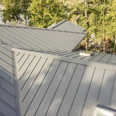 If you have looked into solar energy as an approach for heating your home, panels are generally the first things that come up. The Solar Heating Aspect… Metal Roof Panels, Metal Roof Houses, House Roof, Aluminum Roof Panels, Solar Energy Panels, Best Solar Panels, Roof Cap, Standing Seam Roof, Roofing Options