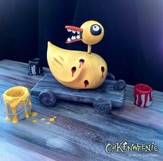 this is a cake.Duck Toy – The Nightmare Before Christmas « Cakenweenie Halloween Cakes, Halloween Party, Halloween Magic, Halloween 2014, Desenhos Tim Burton, Horror Cake, Christmas Drinks Alcohol, Nightmare Before Christmas Tattoo, 55th Birthday
