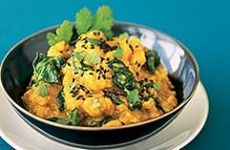 Yellow Lentils With Spinach And Ginger