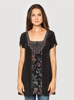 The 4 Love and Liberty TAKARA TUNIC exudes vintage-inspired charm thanks to a unique multi-colored needlepoint embroidery design. This boho-chic embroidered black tunic pairs perfectly with leggings, flat boots, and a jean jacket for an easygoing yet chic Boho Gypsy, Gypsy Soul, Tunic Tops For Leggings, Black Tunic, Flat Boots, Embroidered Silk, Silk Crepe, Fall Looks, Indian Dresses