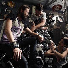 @tiburontshirt #tiburonclassics #tiburonterra #womenswear #menswear #model #life #design #vibes #motorcycle #cool #trend #subscribers