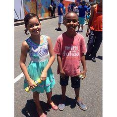 Viva o carnaval, viva os Mini Foliões!! João e Duda! ☀️ @marycoutooficial #souldila #souldilanafolia