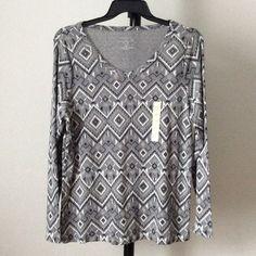 NWT V-neck top Long sleeves. rqonfriy Sonoma Tops Tees - Long Sleeve