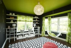 teen room, or for anyone really, child, adult... love the painted ceiling and chalkboard paint walls