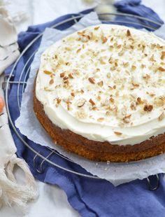 Rüblitorte Vanilla Cake, Cheesecake, Desserts, Food, Powdered Sugar Glaze, Cake Batter, Sprinkles, Dessert Ideas, Bakken