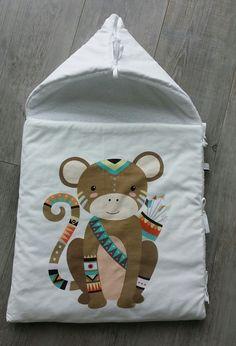 Nid d'ange  modèle singe - couverture bébé - cadeau de naissance - fait main de la boutique SmallSleeper sur Etsy