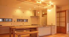 嶋の家 « 合板を使わない、本物の自然素材の家 森びとの会 Double Vanity, Bathroom Lighting, Mirror, Kitchen, Furniture, Home Decor, Bathroom Light Fittings, Bathroom Vanity Lighting, Cooking