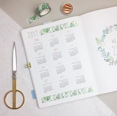 houseplant-inspired bullet journal layouts let's try bul Bullet Journal Disney, Bullet Journal Harry Potter, Planner Bullet Journal, Bullet Journal Notes, Bullet Journal How To Start A, Bullet Journal Spread, Bullet Journal Layout, Bullet Journal Inspiration, Bullet Journal Yearly Overview