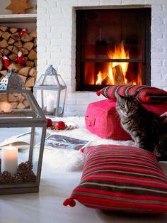winter living room decor Some winter ideas Decoration Christmas, Cozy Christmas, Christmas Fireplace, German Christmas, Scandinavian Christmas, Beautiful Christmas, Christmas Ideas, Winter Living Room, Living Room Decor