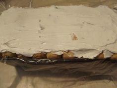 tort-cu-crema-de-iaurt-si-fructe-6 Dessert Bars, Kiwi, Camembert Cheese, Dairy, Desserts, Food, Postres, Deserts, Hoods