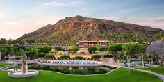 An all-American classic, The Phoenician Resort, Scottsdale is a beautiful oasis at the foot of Camelback Mountain. By Hotelied.
