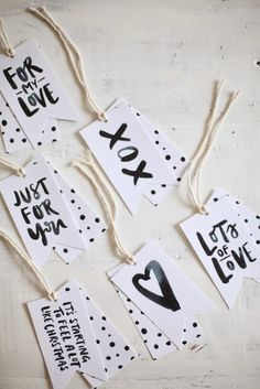 FleaingFrance.......Free Printable Gift Tags linked.