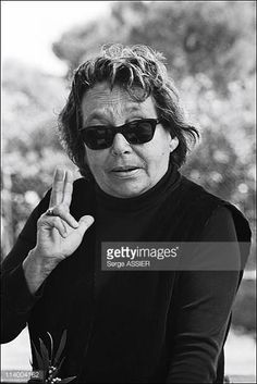 Marguerite Duras, Einstein, Black And White, Fictional Characters, Famous Artists, Black N White, Black White, Fantasy Characters