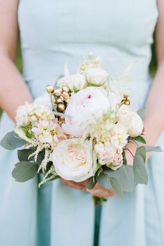 Pink peonies with gold accents: http://www.stylemepretty.com/maryland-weddings/annapolis/2015/08/28/vintage-inspired-annapolis-wedding/ | Photography: Natalie Franke - http://www.nataliefranke.com/