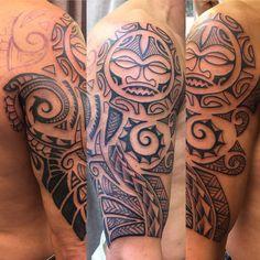 Maori auf dem Arm angefangen