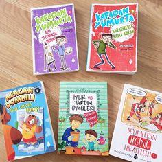 """1,192 Beğenme, 27 Yorum - Instagram'da OYUNCU ANNE MERVE (@mervegulcemal): """"Evde kalma günlerinde Ali Tarık ve Ömer Faruk'un okuduğu kitaplar... . . Listeye yeni kitaplar…"""" Anne, Cover, Books, Instagram, Libros, Book, Book Illustrations, Libri"""