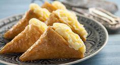 Τρίγωνα Πανοράματος Greek Sweets, Apple Pie, Sweet Tooth, Dairy, Food And Drink, Cheese, Desserts, Tailgate Desserts, Deserts