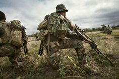 MARSOC Recon unit during advanced Sniper Training Course. Discover a wide range of army clothing & gear in woodland camo at Military online store. Photo by Vance Jacobs. Marsoc Marines, Marine Raiders, Sniper Training, Army Clothes, British Armed Forces, Woodland Camo, Military Photos, Special Forces, Usmc