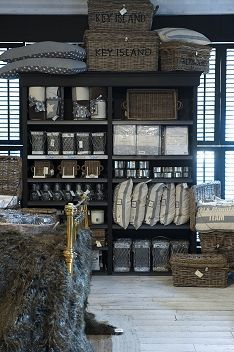 rivi ra maison on pinterest rattan christmas decorations and letter tray. Black Bedroom Furniture Sets. Home Design Ideas