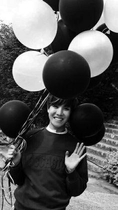 J-Hope, Hobi, Hoseok, b&w, balloons