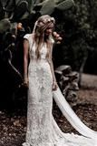 Disney Wedding Dress, White Bridal Dresses, Lace Beach Wedding Dress, Formal Dresses For Weddings, Wedding Dress Trends, Bohemian Wedding Dresses, Wedding Gowns, Mermaid Wedding, Scottish Wedding Dresses