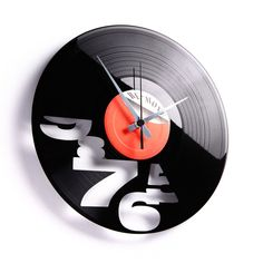 It's time to rock your clock. Disc' O' Clock marries recycled records to create unique timepieces. Handmade in Italy using scratched vinyl each clock is as eco-friendly as it is unique: the label on the record is always different. Home Clock, Diy Clock, Clock Decor, Record Clock, Record Art, Old Records, Vinyl Records, Cool Clocks, Used Vinyl