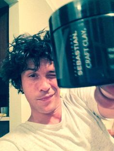 Bob Morley and his hair stylin. The 100 Show, The 100 Cast, It Cast, Bob Morley, Bellamy, Grunge Guys, Eliza Taylor, Alycia Debnam Carey, The Hundreds