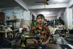ZARA, GAP e H&M producono in Bangladesh pagando gli operai 56 euro al mese. Il primo sciopero #lavoro #minori #infanzia #abusi