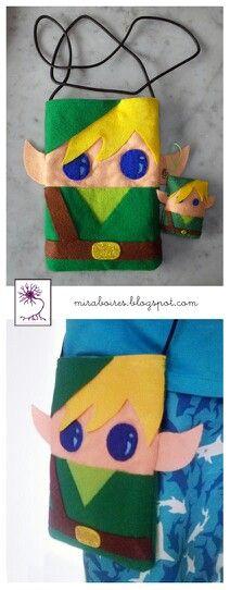 Bolsito y llavero de Link (de Zelda).  http://miraboires.blogspot.com.es/2013/05/clauers-de-feltre.html