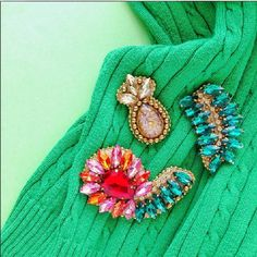 Colorful brooches trends .