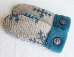recycled sweater mittens with snowflake design by miraclemittens