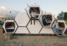 Weekend Cabin: It's a tent. It's a hotel. It's a honeycomb personal sleeping system...?http://www.adventure-journal.com/2014/08/weekend-cabin-stackable-honeycomb-sleep-center/