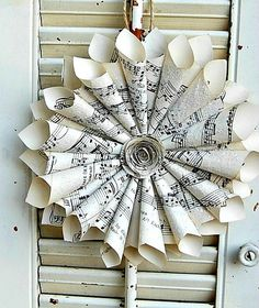 Old sheet music wreaths | Paper Sheet Music Wreath / Vintage Wedding / with Glass Glitter