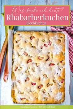 Ruck Zuck Rhabarberkuchen vom Blech! Schneller und einfacher Blechkuchen mit Rhabarber. Wunderbar saftig, fruchtig-sauer und einfach lecker | Rezept: waseigenes.com | #rhabarberkuchen Muffins, Cupcakes, Bread, Recipes, Food, Pies, Sheet Pan, Sheet Cakes, Strawberries