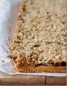 Apple Pie Crumble Bars oh yesssss: