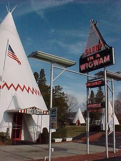 Wigwam Village, Cave City, Kentucky. (!!!!!!!!!!!!)